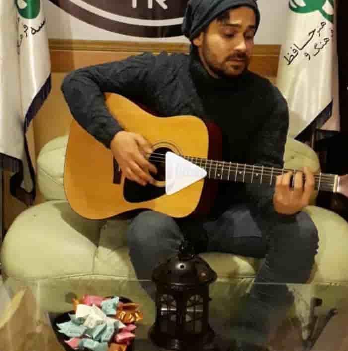 دانلود آهنگ عاشقانه دیوونه آرمین احمدی