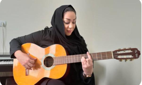 آموزش گیتار از صفر در آموزشگاه موسیقی منظومه